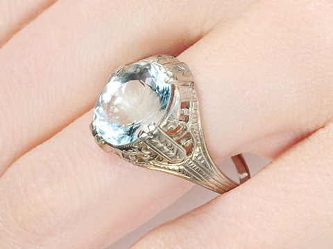 Labyrinth of Gold: Aquamarine Ring