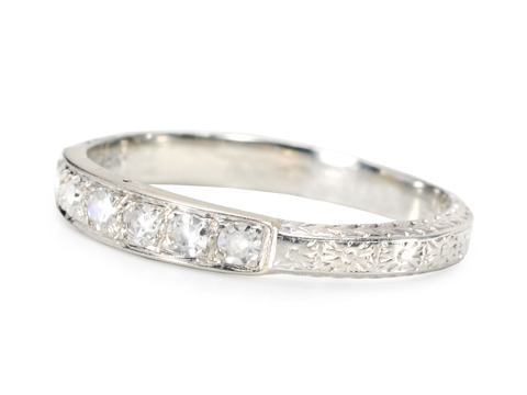 1950s Splendor: Diamond Set Wedding Band