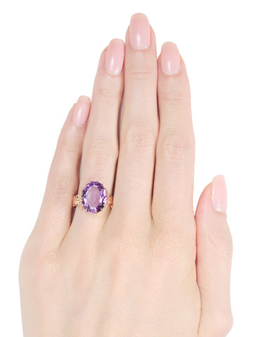 Victorian Luxury: Amethyst Ring