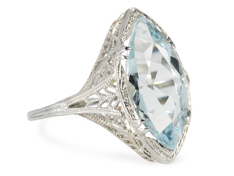 Royal Kiss: Aquamarine Filigree Ring