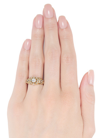 Favoloso: Ornate Diamond Set Ring