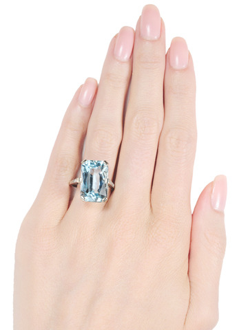 Daring 13.15 ct. Aquamarine Diamond Ring