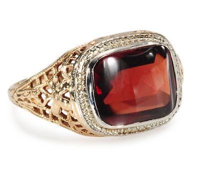 Labyrinth of Gold: Garnet Filigree Ring