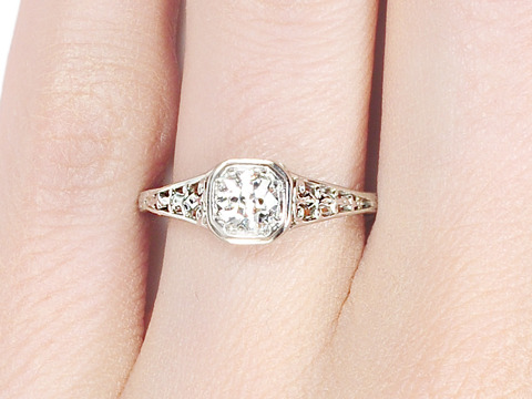 Lovely Jones & Woodland Solitaire Diamond Ring