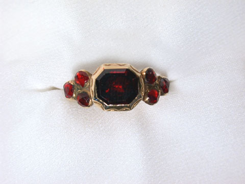 Late 17th Century Garnet Ring