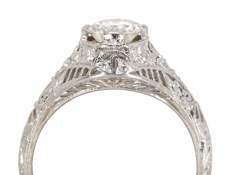 Exquisite Fire & Lace Diamond Ring