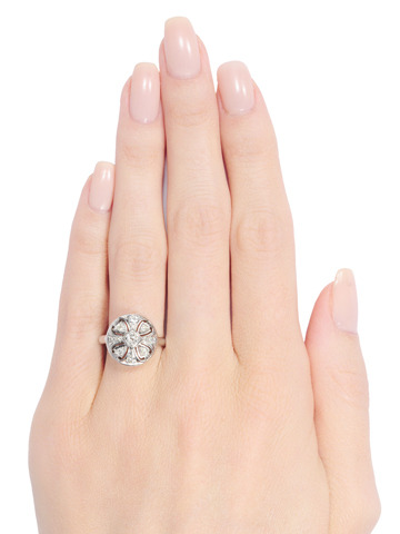 Token of Luck: Diamond Vintage Ring
