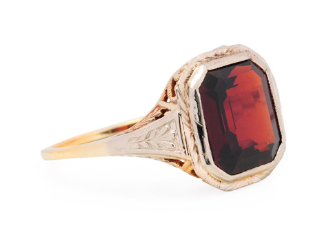Warm the Heart - Garnet Vintage Ring