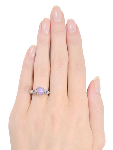 Elegance Defined: Lavender Star Sapphire & Diamond Ring