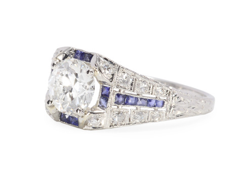 Glamour in a Diamond Sapphire Ring