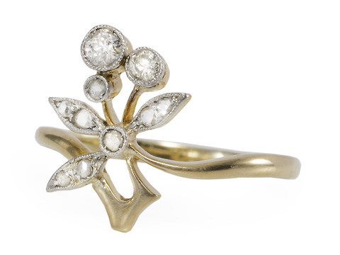 Spring Is Here - Diamond Flower Ring