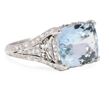 Magnificent Aquamarine Diamond Ring