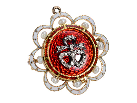 Victorian Neoclassical Brooch Pendant