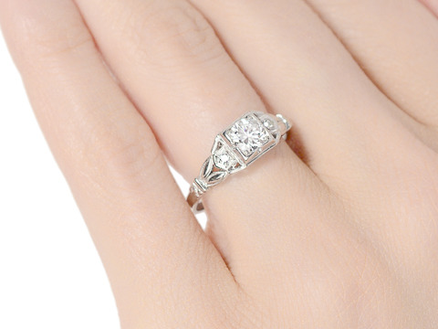 The Right Decision - A Diamond Ring of Choice