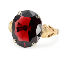 Garnet Wonder - Vintage Art Deco Ring