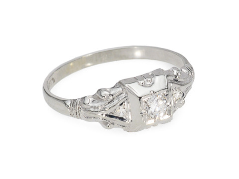 Art Deco Passion: Diamond Engagement Ring