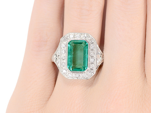 Mesmerizing 4.4 c. Emerald Diamond Ring