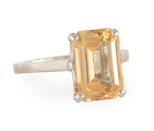 Golden Reverie - Topaz Platinum Ring