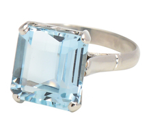 Sleek Sophisticated Aquamarine Platinum Ring