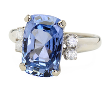 Azure Spectacle: Ceylon Sapphire Ring