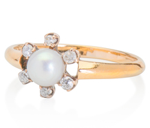 New Love: Diamond Pearl Ring
