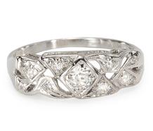 Twist the Night Away - Diamond Vintage Ring