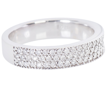 Glittering Diamond Wedding Ring
