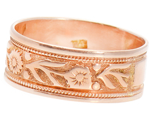 Victorian Rose Gold Wedding Band