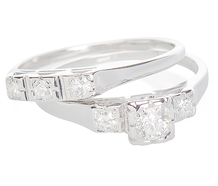 Stellar Vintage Wedding Ring Set