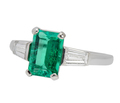 Emerald Evenings in a Chic Ring with Diamonds