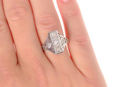 Art Deco Filigree Diamond Ring