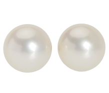 Sweet - Pearl Stud Earrings