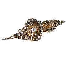 En Tremblant Diamond Flower Brooch