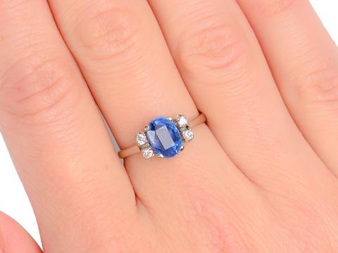 Sleek No Heat Sapphire Diamond Ring