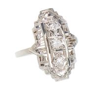 Three Diamond Gold Filigree Vintage Ring