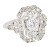Trendsetting Diamond Engagement Ring