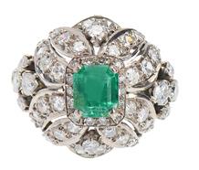 Divine Emerald Dinner Ring in Platinum